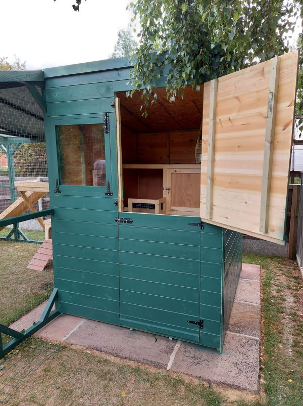 180 CM X 150 CM FREEDOM RABBIT SHED