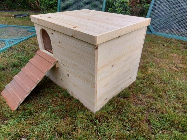 ENRICHMENT ENCLOSED DIGGING BOX FOR RABBITS